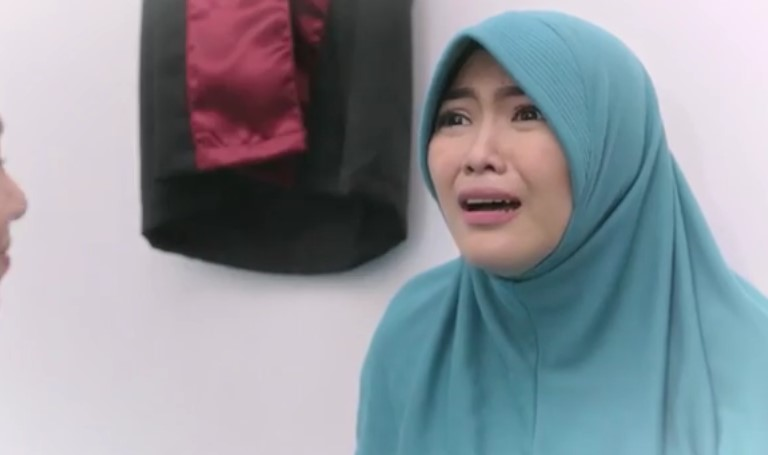 Hijab Love Story - Episode 1 © 2016 famous.id