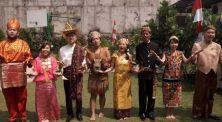 Pesan Dalam Lagu, Anak Muda Indonesia Jangan Lupa di Mana Kita Berdiri
