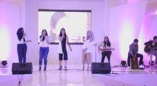 Nyanyi Bareng di Panggung, Para Kreator Video Musik Ini Tampil Keren!