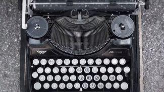 Kenapa Keyboard Urutannya QWERTY? Bukan ABCDE?