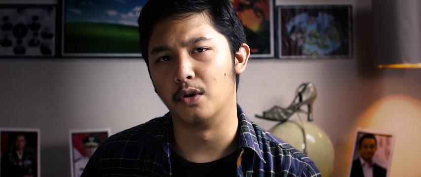 Trailer Film Cek Toko Sebelah © 2016 famous.id