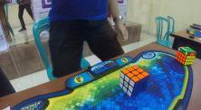 Wow! Pria Ini Pecahkan Rekor Dunia Selesaikan Rubik Hanya 4 Detik