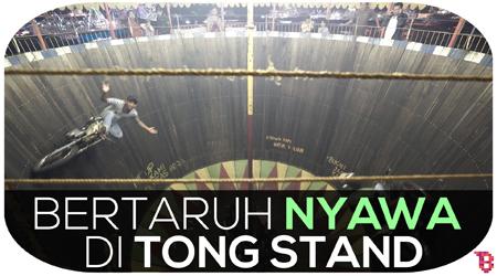 Bertaruh Nyawa di Tong Stand