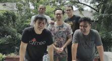 Seru! Kalah Flip Bottle Challenge, Muka Kreator Cameo Project Dilakban