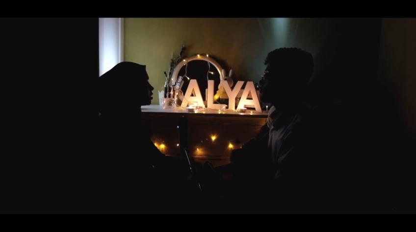 Alya Nur Zurayya © 2017 famous.id