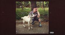 Rich Chigga Pose Bersama Seekor Anak Kambing di Single Terbarunya