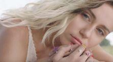Miley Cyrus Tampil Berbeda di Single Terbarunya!