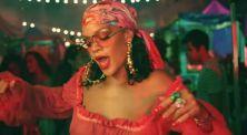"""Rihanna Tampi Seksi di Klip Terbarunya """" Wild Thoughts"""""""