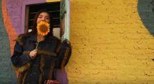 """Monita Tahalea """"Nge-vlog"""" di Video Klip Terbarunya!"""