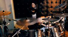 """Belum Tidur, Drummer Ini Nekat Cover Lagu """"The Game"""" Dari Dragon Force"""