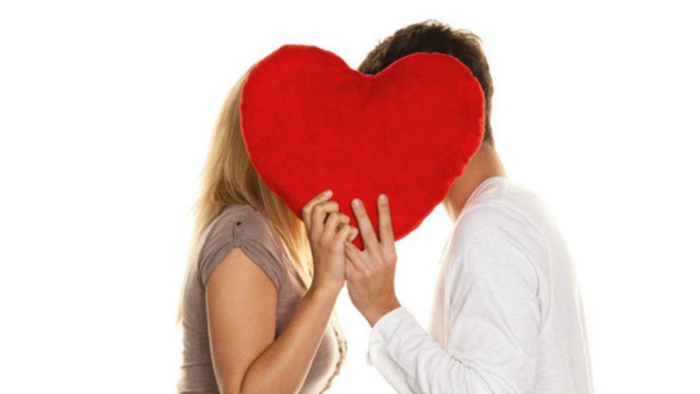 Inilah yang Ada Dipikiran Cowok Saat Berciuman!