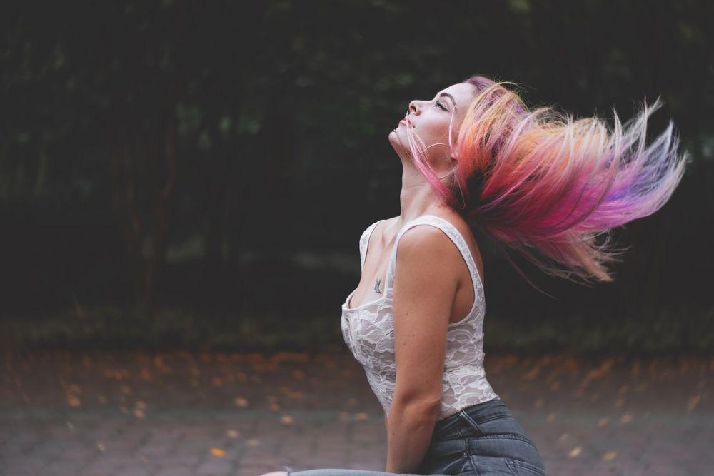 warna rambut pixabay.com