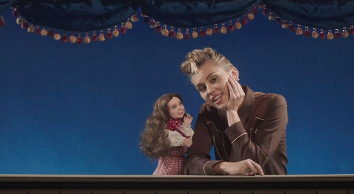 Miley Cyrus - Younger Now (Official Video) ©Miley Cyrus