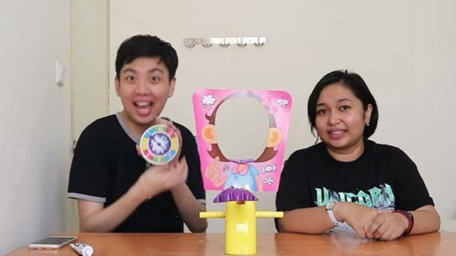 4 Video Pie Face Challenge yang Seru Dari Kreator Famous