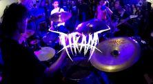 Live Drum: Tonton Aksi Enerjik R Wiryawan Bersama Tikam di Launching Album Perdananya