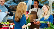 Cara Hemat Ala Ibu-Ibu, Simak 4 Tips Jitu Menawar Belanjaan!