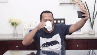 Video Lucu: 7 Tipe Minum yang Paling Ngeselin Dari Duo Harbatah