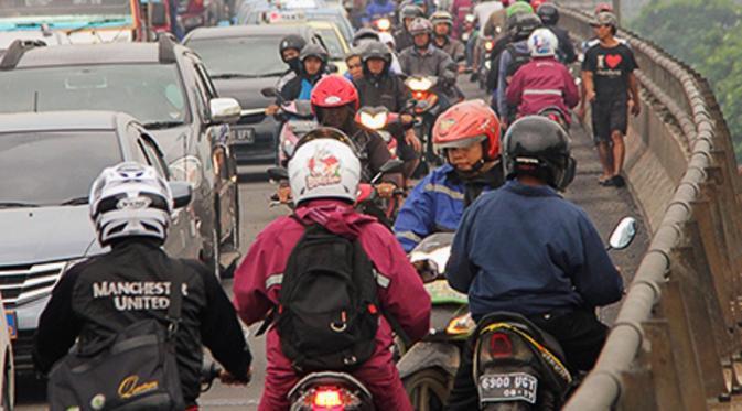 10 Tipe Pengendara Yang NGESELIN Di Indonesia kenaprasetya ©kenaprasetya