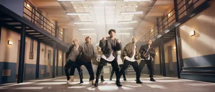 BTS (방탄소년단) 'MIC Drop (Steve Aoki Remix)' Official MV ibighits © ibighits