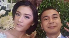 Raditya Dika Unggah Foto Lamaran, Arief dan Prilly Berikan Komentar Kocak