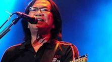 Yon Koeswoyo , Vokalis Band Legendaris Koes Plus Tutup Usia