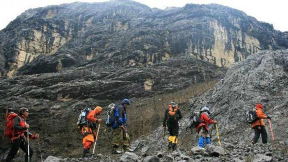Inilah 5 Gunung Tertinggi di Indonesia! Apa Kamu Berani Mendakinya?