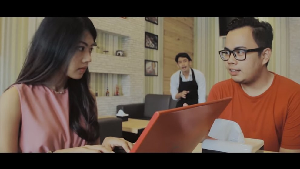 """Film Pendek """"Jombs"""": Tips Mendekati Cewek Dari Peri Cinta Magang"""