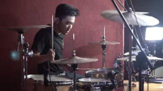 """Keren! Kreator ini Buat Video Drum Cover Lagu """"Jaran Goyang"""" Versi EDM"""