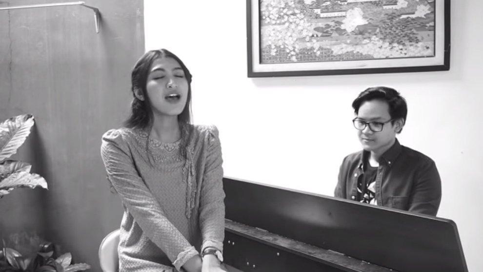 Yuk, Nostalgia Lewat 4 Cover Lagu Bernuansa Masa SMA!