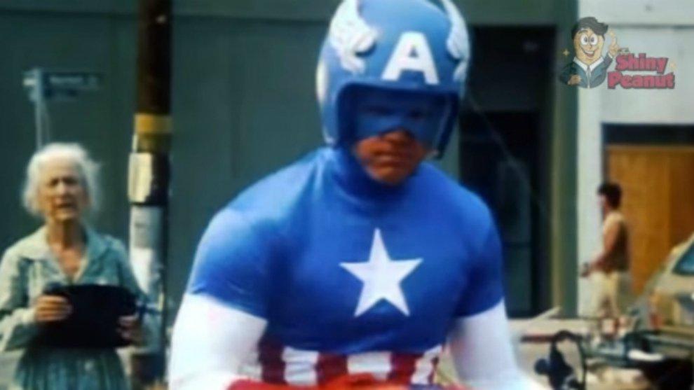 Beda Banget! Inilah 5 Penampilan Kocak Film Superhero Zaman Dulu!