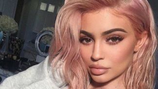 Resmi Jadi Ibu, Inilah 4 Fakta Menarik Tentang Kylie Jenner yang Belum Kamu Ketahui!
