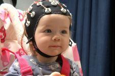 Tatapan mata bisa bantu perkembangan otak anak, orangtua harus tahu