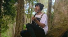 Kery Astina Cover Lagu 'Rindu Sendiri' Soundtrack Film 'Dilan 1990'