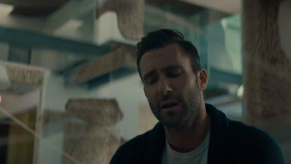 Setelah Tampil Imut Dengan Filter Snapchat,  Adam Levine Jadi Horor di Klip 'Wait'