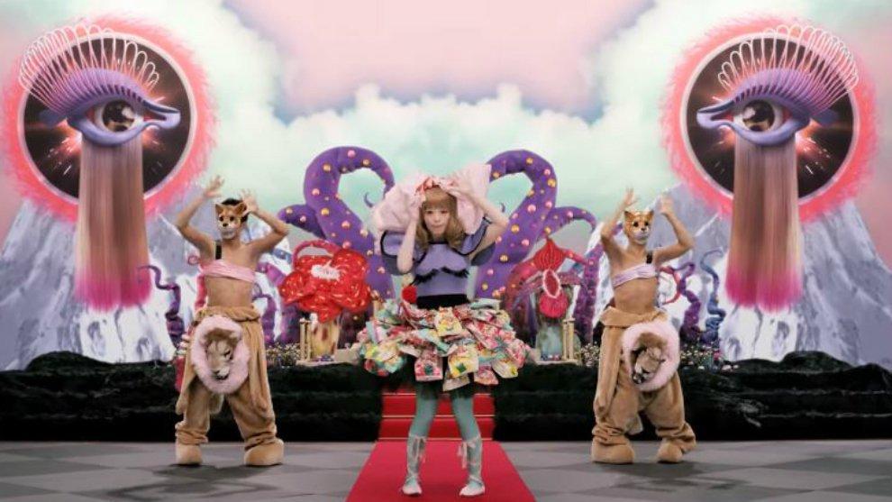5 Penyanyi Dunia Ini Dikabarkan Memuja Setan Demi Popularitas!