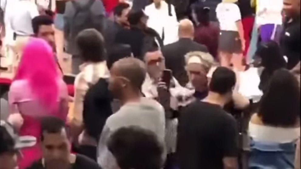 Momen Insiden Kemal Palevi yang Ditepis Saat Rekam Video Selfie Bareng Justin Bieber