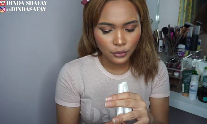 TUTORIAL OMBREGRADIENT LIPS DI BIBIR YANG GELAP (Local Brand) dinda shafay © dinda shafay