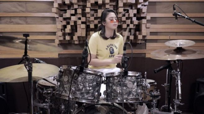 3 Aksi Seru Rani Ramadhany di Belakang Alat Musik Drum