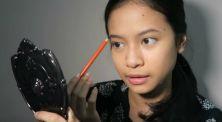 Hanggini Jawab Tantangan Simple Makeup Hanya Dengan '75k Makeup Challenge'