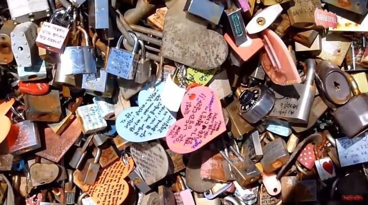 Keren!!!! 10 Tempat Gembok Cinta Paling Populer Di Dunia BAHASDUNIA ©BAHASDUNIA