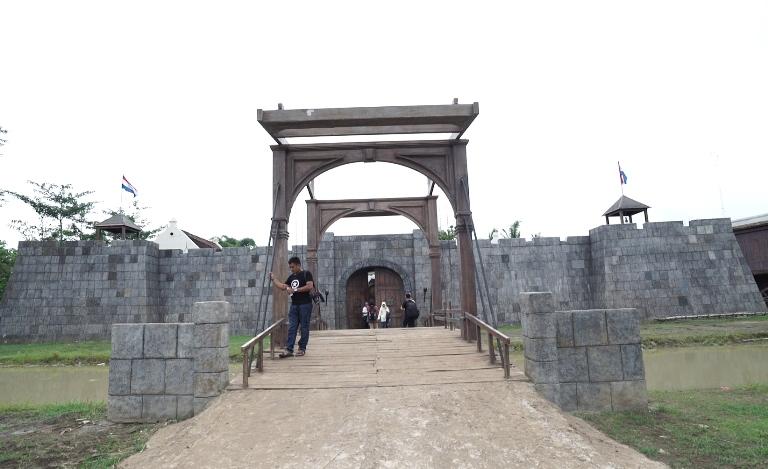 Kerennya studio alam yang disiapkan untuk film Hanung Bramantyo