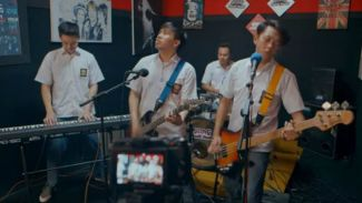 Cover Keren 'Gak Iso Turu' Soundtrack Yowis Band Dari YouTubers!