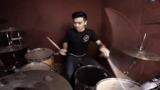 Anti-Mainstream Youtuber Ini Bikin Drum Cover Soundtrack  Game Mobile