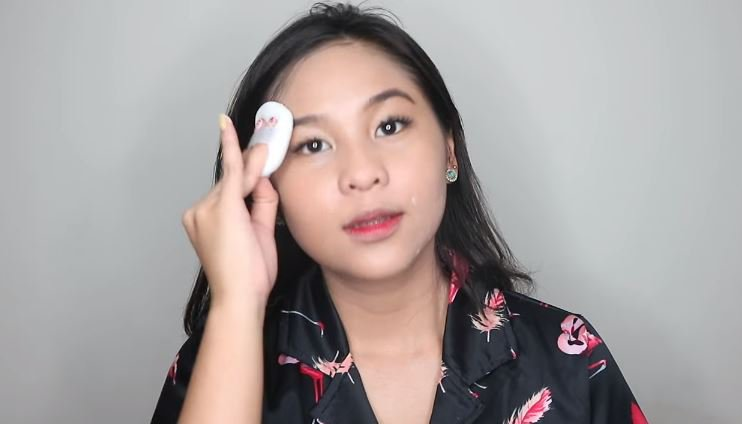 Quick & Easy Go To Makeup Look © 2018 famous.id