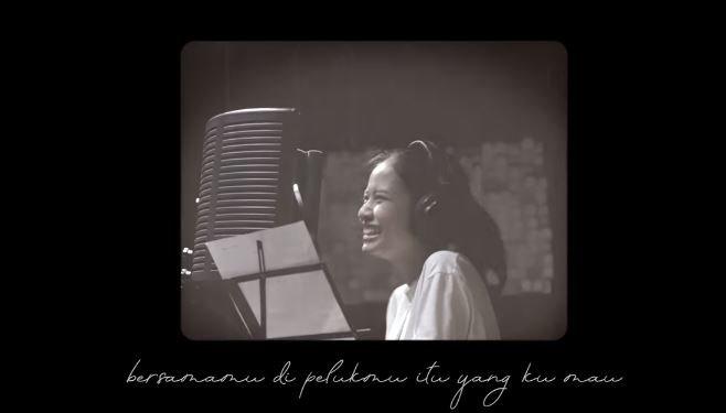 Lebih Darinya [Official lyric video] © 2018 famous.id