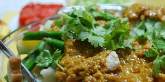 Inilah 5 Makanan Khas Indonesia Favorit Turis Mancanegara! Mana Favorite Kamu? © 2017 famous.id