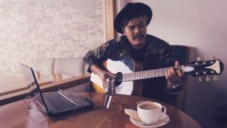 Nostalgia Yuk! Lewat 3 Video Cover Lagu Lawas Dari Fiqi Jacub