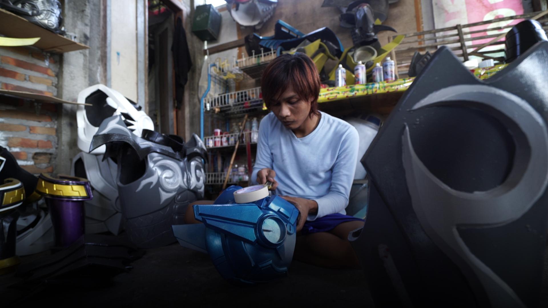Kostum cosplay keren ini bikinan pemuda Jogja, pembeli ada dari AS