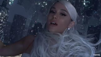 "Ariana Grande Kembali Dengan Merilis ""No Tears Left to Cry"" Setelah Rehat Dari Sosmed"