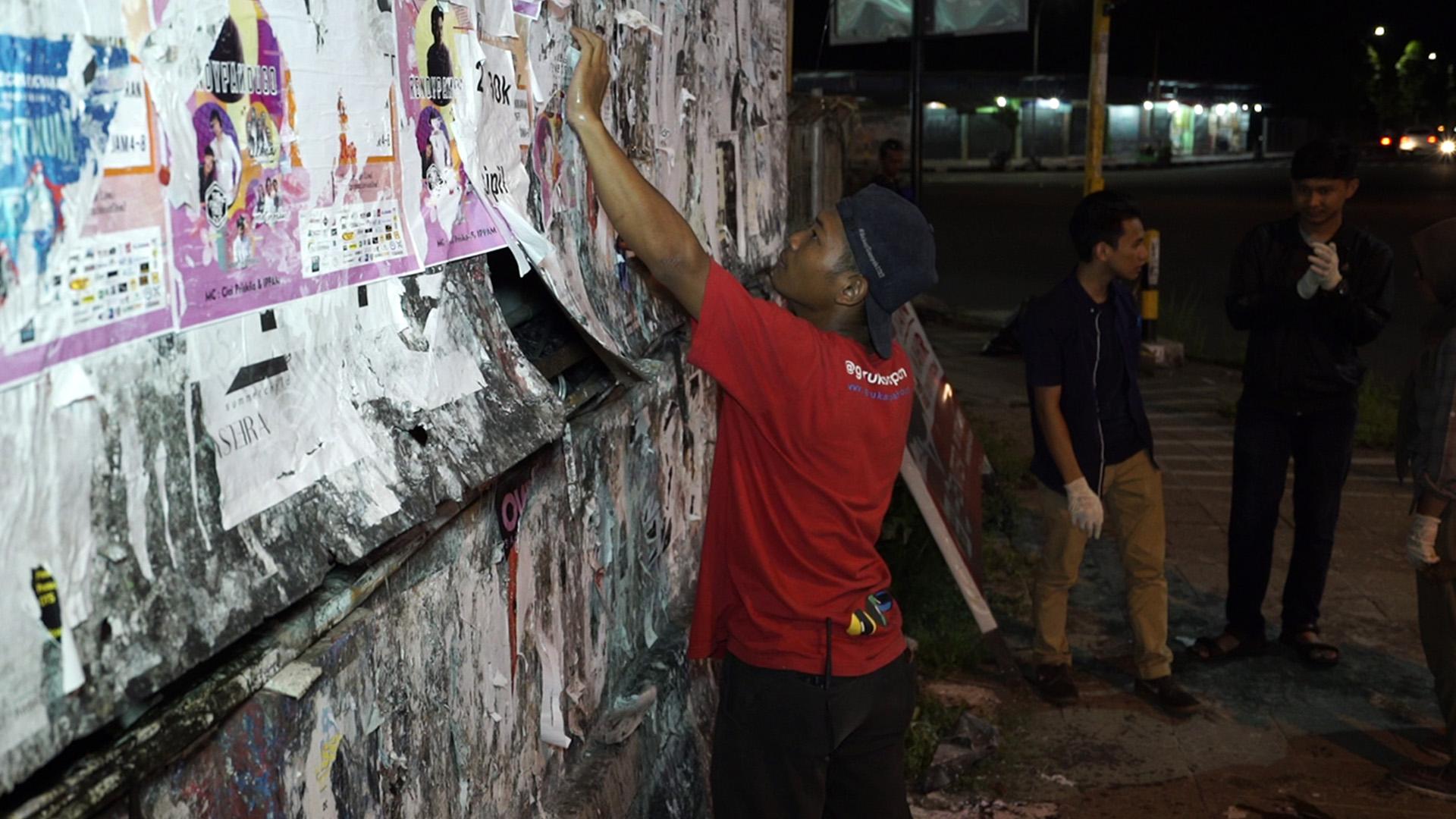 Cara anak muda Jogja perangi sampah visual keren abis, kotamu kapan?